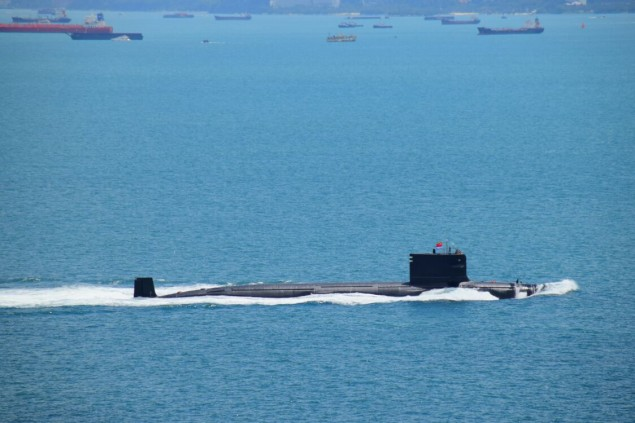 On remarque le devant du massif arrondi pour ce sous-marin immatriculé 409, différent par rapport à un Type 09III normal