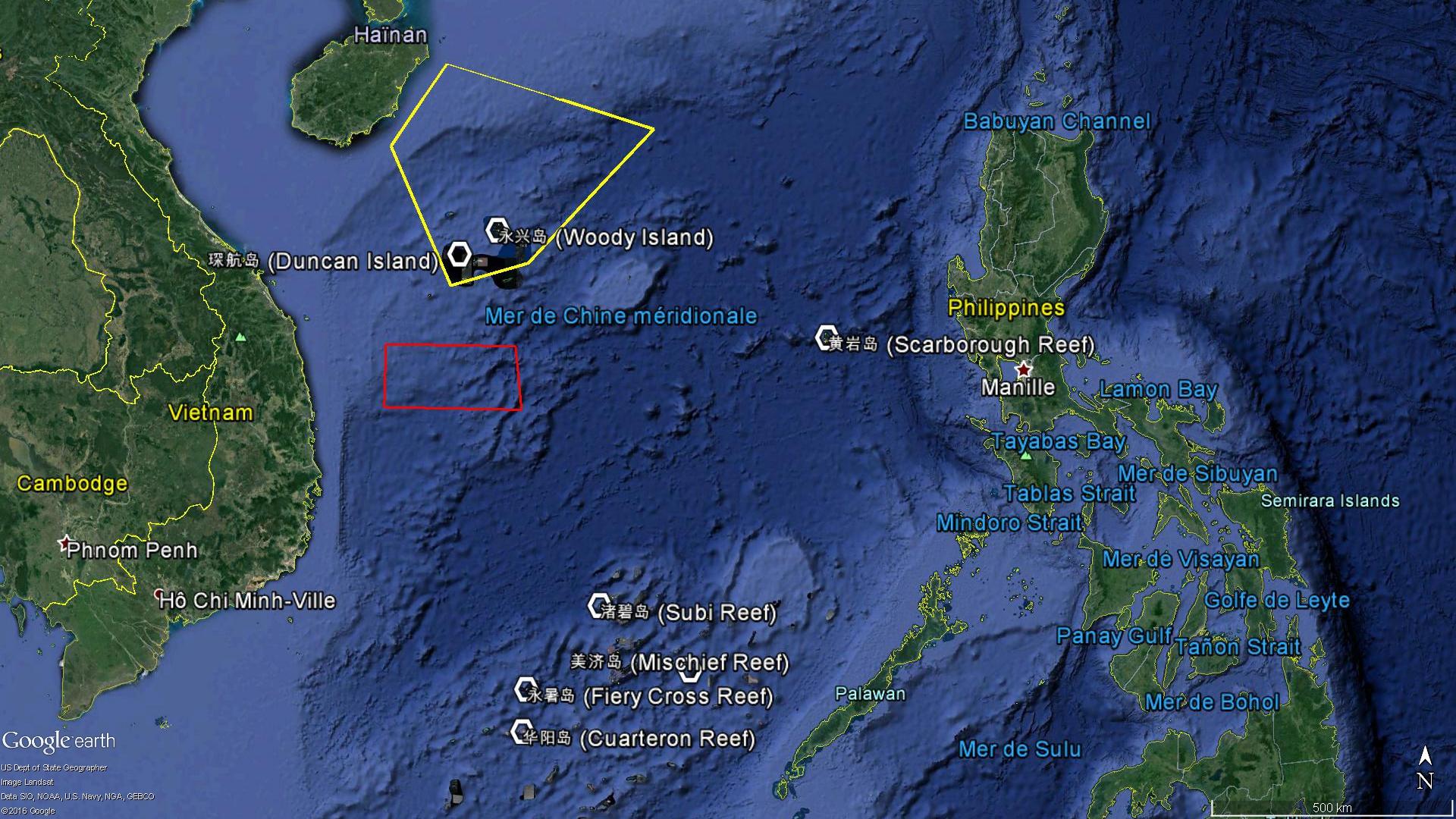 L'exercice chinois (en jaune), l'opération vietnamienne (en rouge), et les Spratleys.